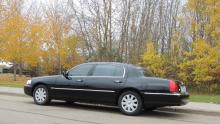 Lincoln Town Car - Sherwood Park Limo